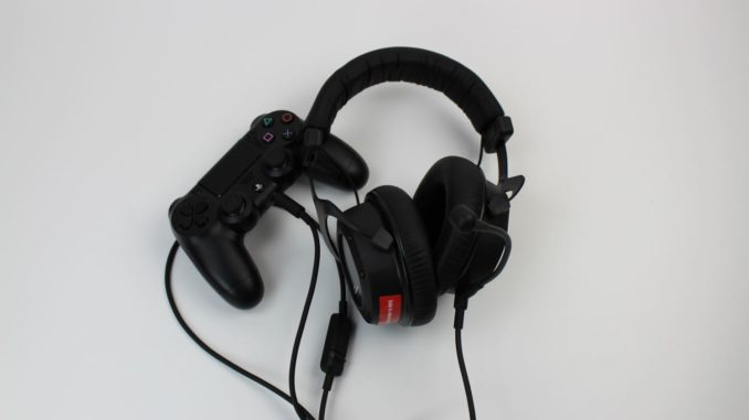 Beyerdynamic Custom Game Headset an PS4 Controller